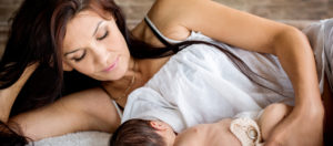 tips on when she's breastfeeding